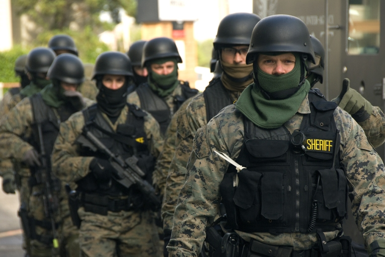 swat_team_prepared_4132135578